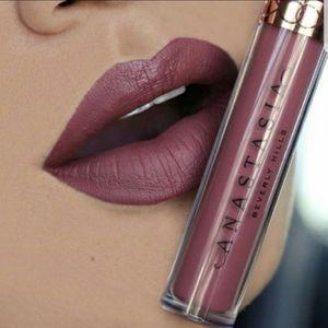 *4 for $19*ANASTASIA Beverly Hills Liquid Lipstick